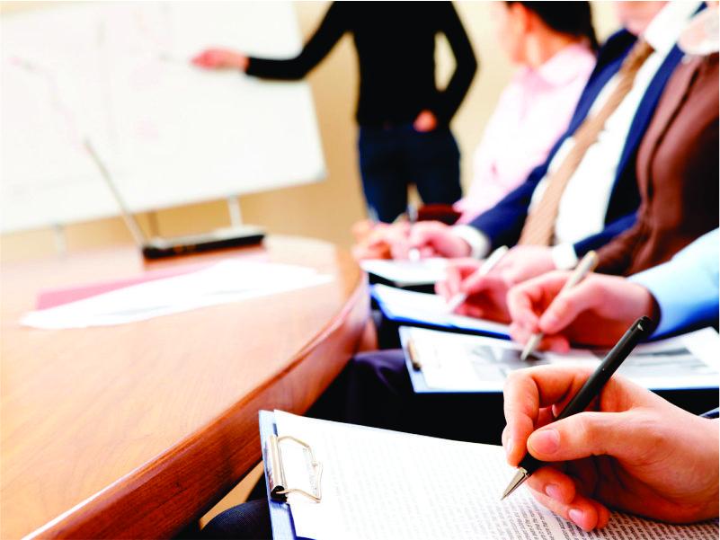 Capacitación a propietarios y equipo comercial