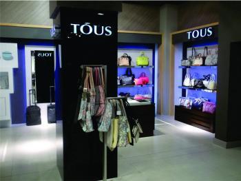 Córner en tienda departamental: Tous